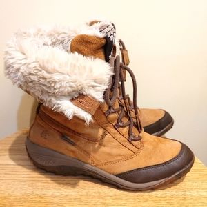 Cushe Tan leather suede winter snow boots size 8